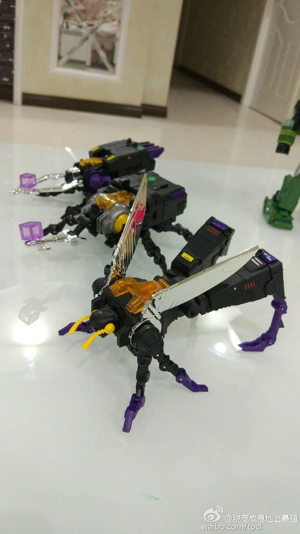 [Fanstoys] Produit Tiers - Jouet FT-12 Grenadier / FT-13 Mercenary / FT-14 Forager - aka Insecticons - Page 4 7xbJmDgP