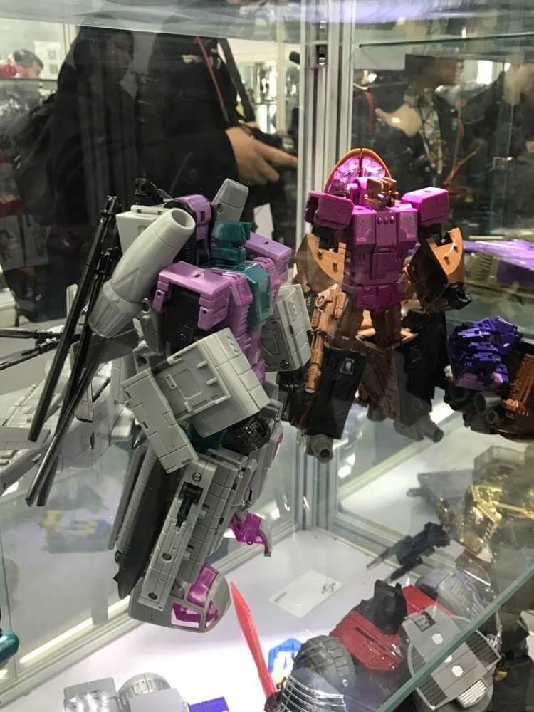 [Zeta Toys] Produit Tiers - Armageddon (ZA-01 à ZA-05) - ZA-06 Bruticon - ZA-07 Bruticon ― aka Bruticus (Studio OX, couleurs G1, métallique) W1GZ21wa
