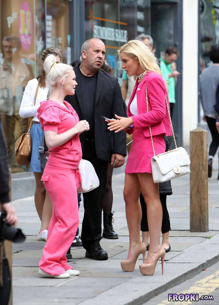 Helen Flanagan in suit on set of Celebrity Superspa - Page 2 ActiSXRL