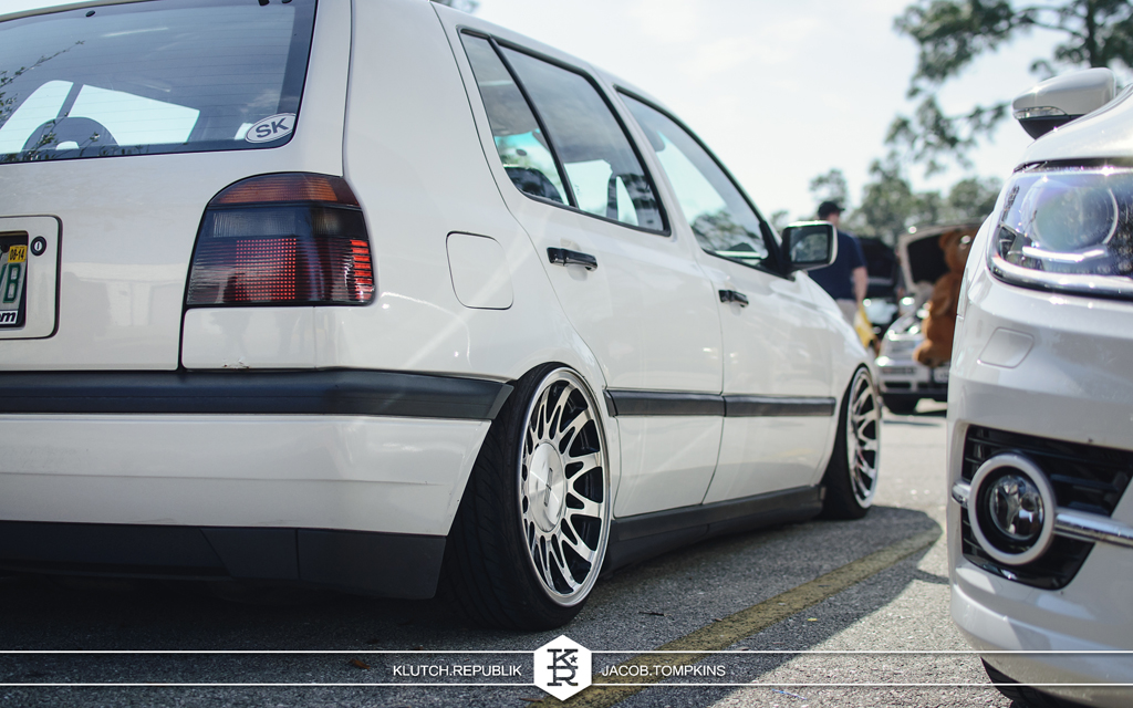 bagged mk3 vw golf chrysler wheels
