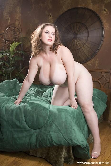 Samanthas Huge Natural Breasts 48