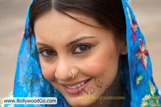 Minissha Lamba's 31 Most Sexy Pictures - HOT Actress - Page 2 AboRjHzE