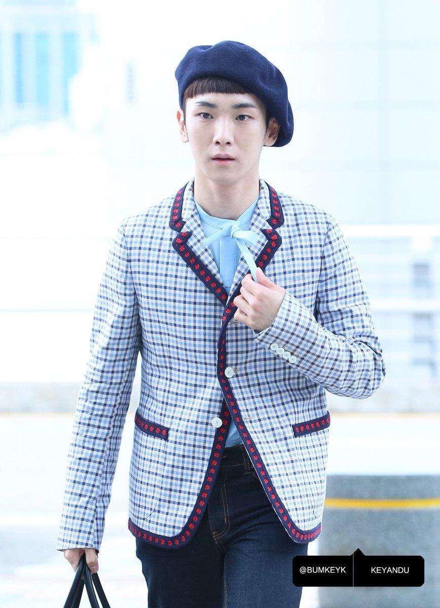 [IMG/160715] Jonghyun, Key @ Aeropuerto Incheon hacia Japón. BOUR3fmD