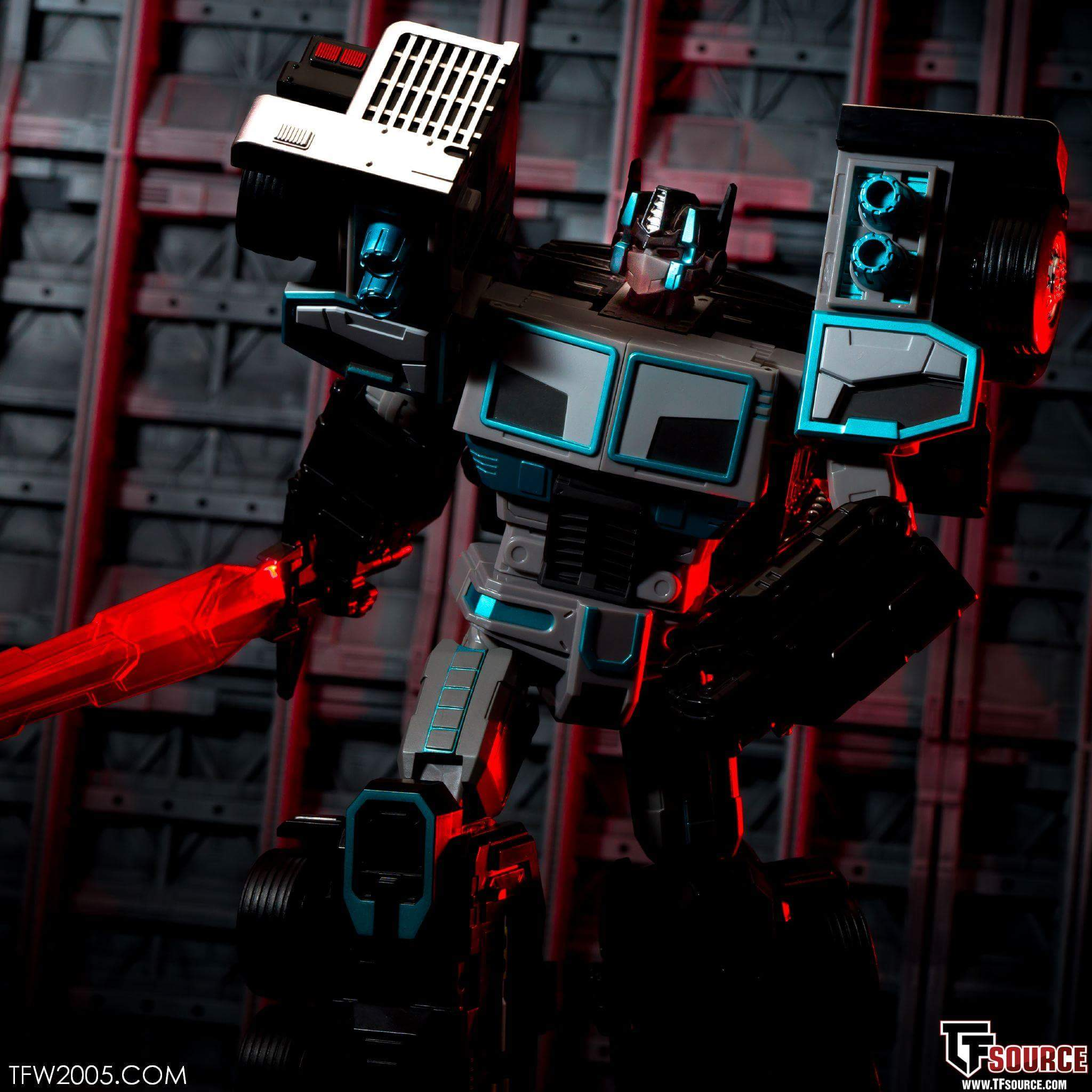 [FansHobby] Produit Tiers - Master Builder MB-01 Archenemy (aka Scourge RID 2000),  MB-04 Gunfighter II (aka Laser Optimus G2) et MB-09 Trailer (remorque) 3XBnjyu0