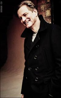 Colin Firth YkHGtpBC