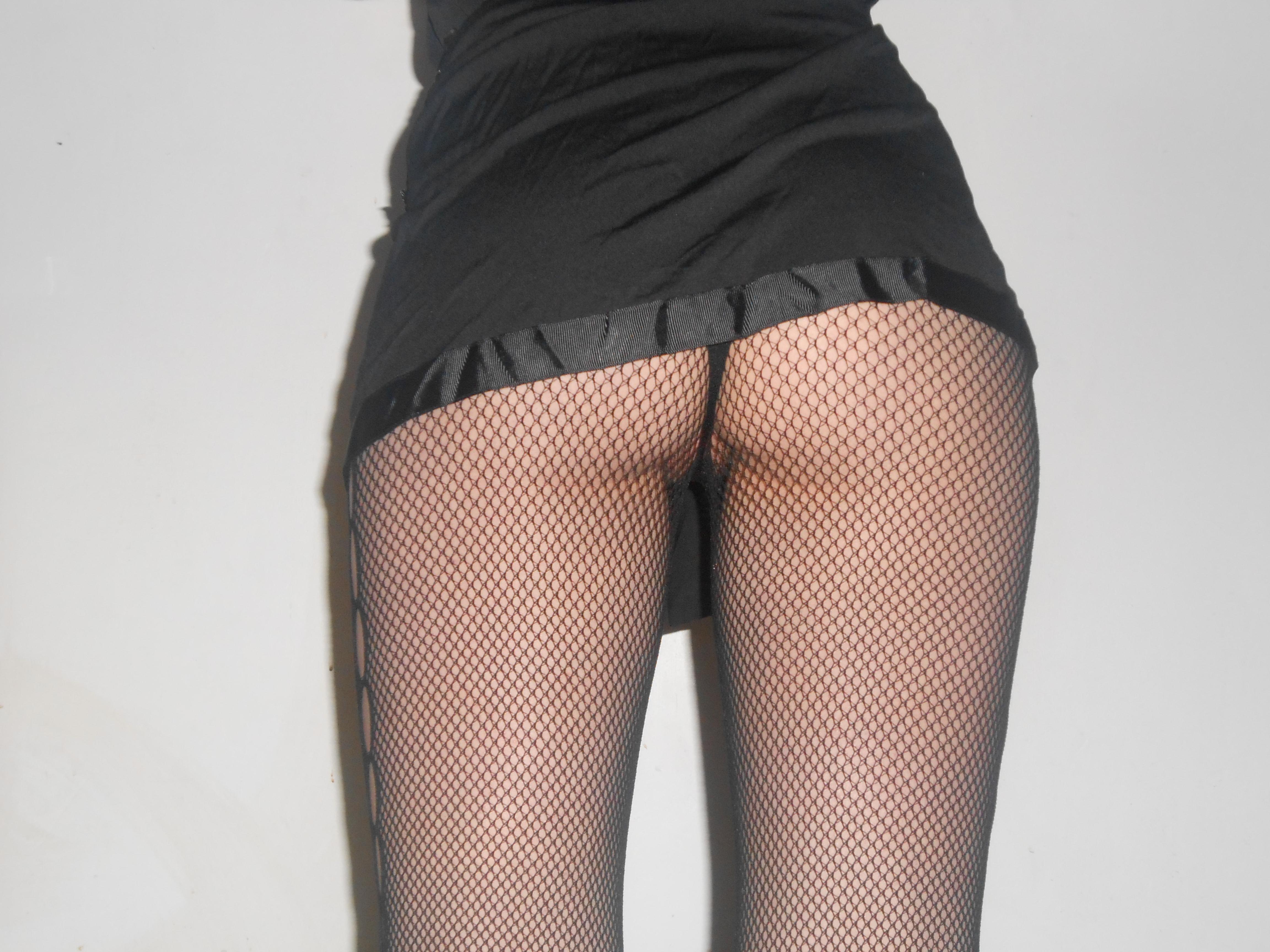 Vestido y medias negras... (10 puntos)