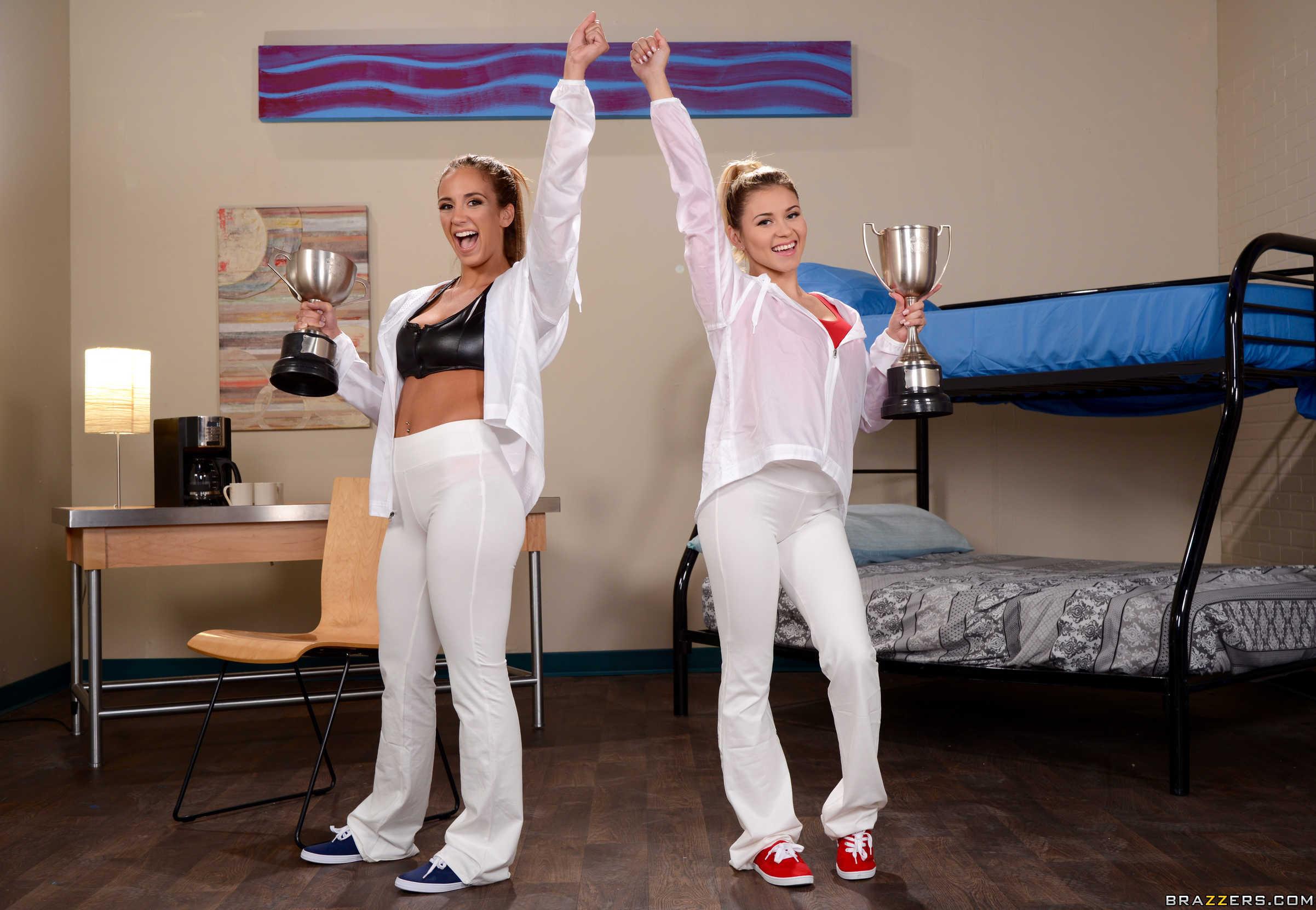Marsha May y Layla London muestran sus conchitas juntas