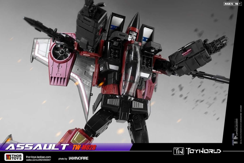 [ToyWorld] Produit Tiers - TW-M02A Combustor (Ramjet/Statoréacto), TW-M02B Assault (Thrust/Fatalo), TW-M02C Requiem (Dirge/Funébro) - Page 3 J6Xl4qiw
