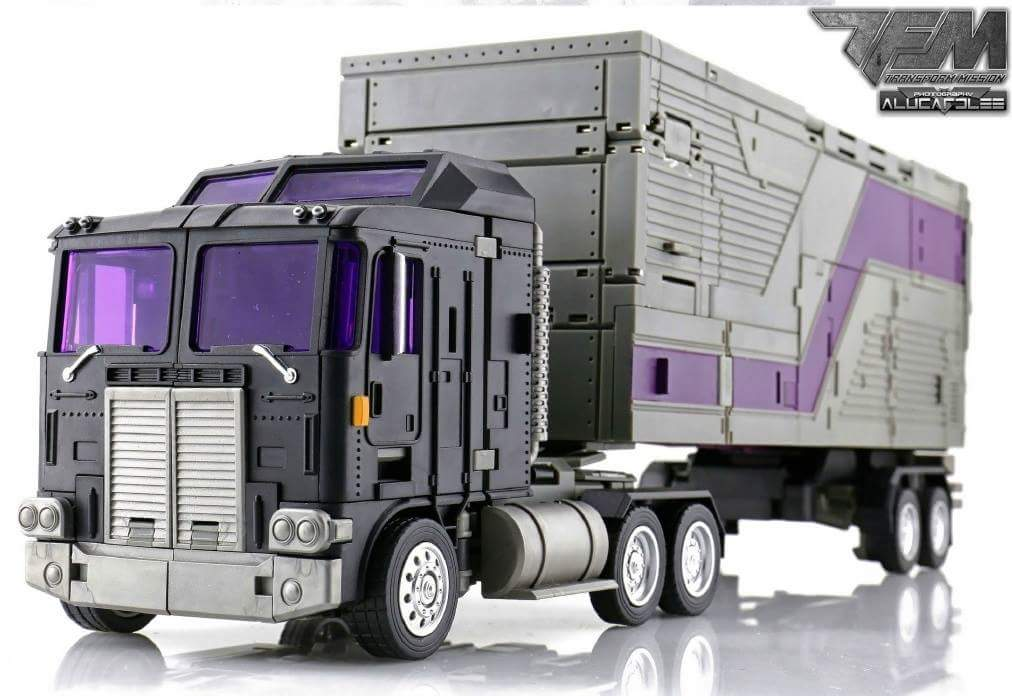 [Transform Mission] Produit Tiers - Jouet M-01 AutoSamurai - aka Menasor/Menaseur des BD IDW - Page 4 PQah3k1u