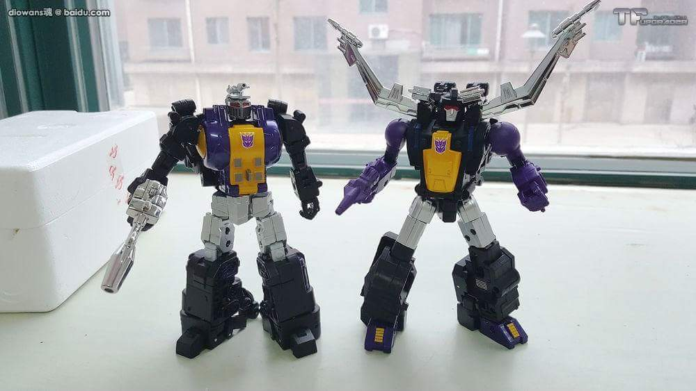 [Fanstoys] Produit Tiers - Jouet FT-12 Grenadier / FT-13 Mercenary / FT-14 Forager - aka Insecticons - Page 3 HWs28F7l