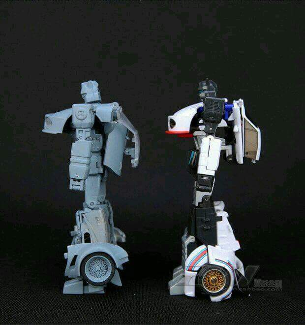[Transform Dream Wave/Transform and Rollout] Produit Tiers - Jouet TR-01 Agent Meister aka Jazz/Saxo S21tkGy3