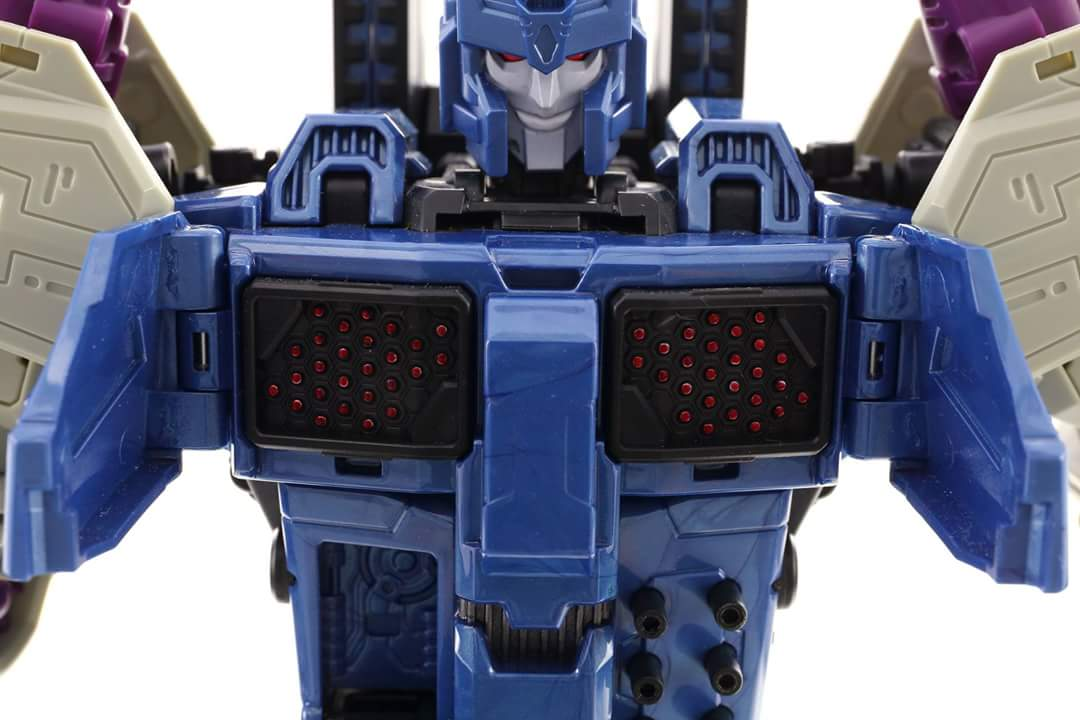 [Mastermind Creations] Produit Tiers - R-17 Carnifex - aka Overlord (TF Masterforce) - Page 3 3xNA02Mx