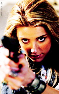Amber Heard • 200x320 2NePRVgN