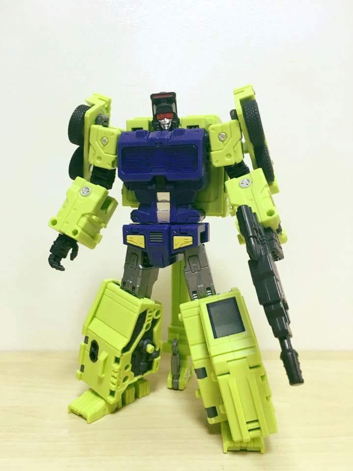 [Toyworld] Produit Tiers - Jouet TW-C Constructor aka Devastator/Dévastateur (Version vert G1 et jaune G2) - Page 7 N54116a5