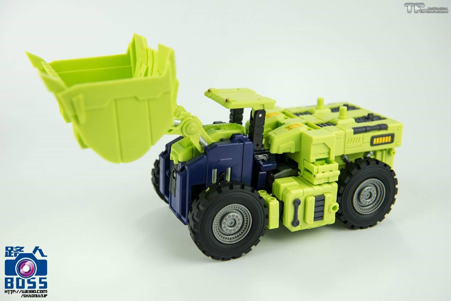 [Toyworld] Produit Tiers - Jouet TW-C Constructor aka Devastator/Dévastateur (Version vert G1 et jaune G2) - Page 4 RfK8QlDS