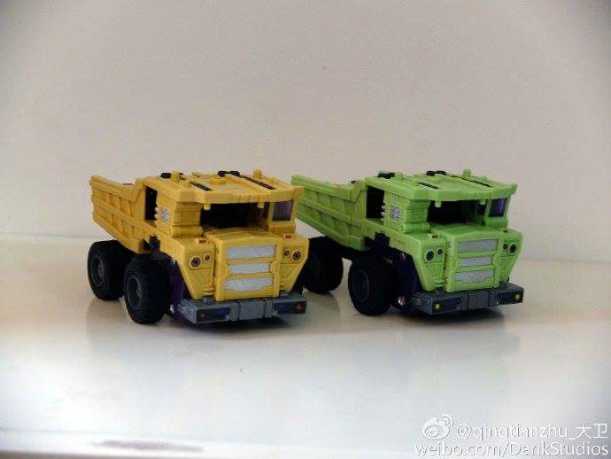 [Toyworld] Produit Tiers - Jouet TW-C Constructor aka Devastator/Dévastateur (Version vert G1 et jaune G2) - Page 8 0zJTrjpB