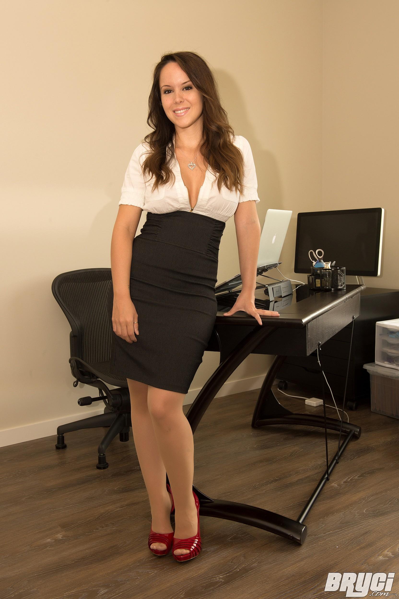 сладкая пухленькая секретарша если они голые