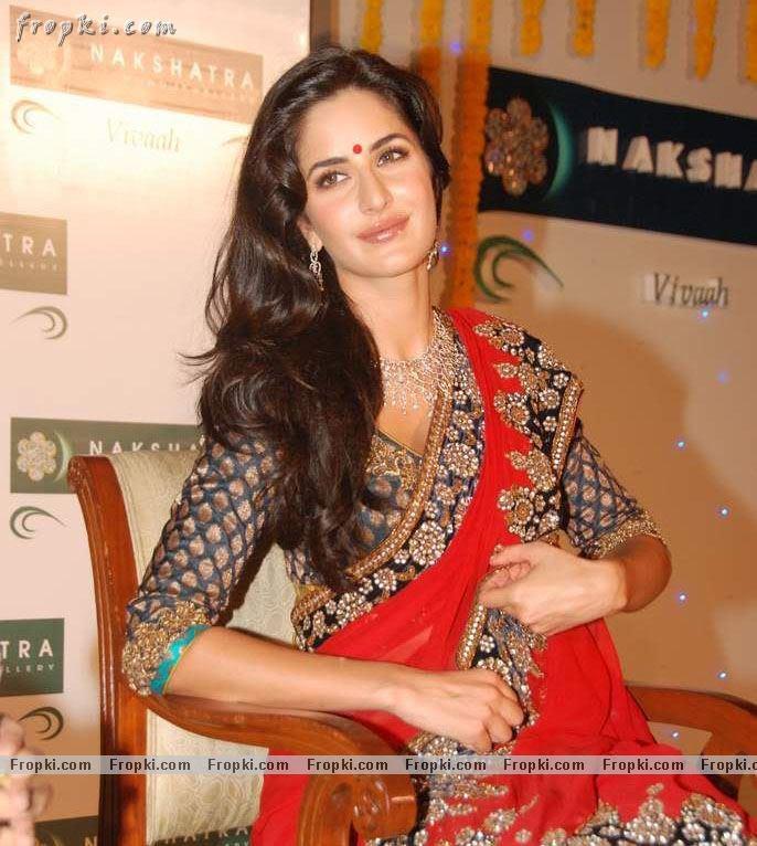 Katrina Kaif sizzling photos in red Saree Abw6mvVS
