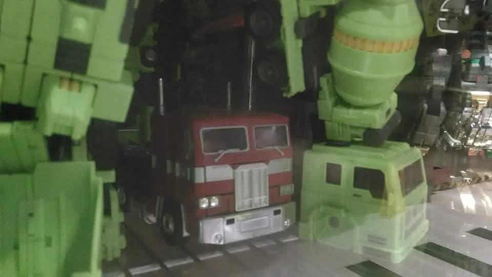 [Toyworld] Produit Tiers - Jouet TW-C Constructor aka Devastator/Dévastateur (Version vert G1 et jaune G2) - Page 5 Ku8iJ5Rg