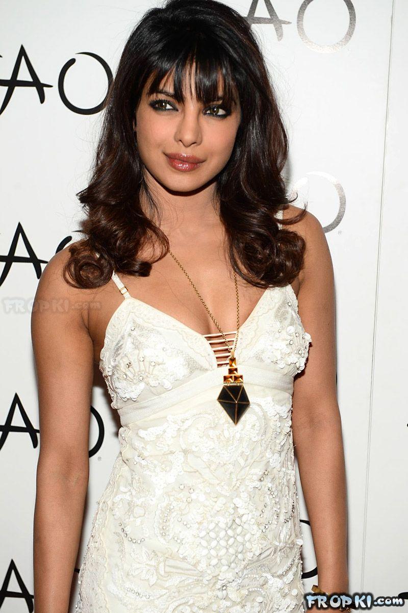 Priyanka Chopra Exotic Promo TAO AdyuMzDl