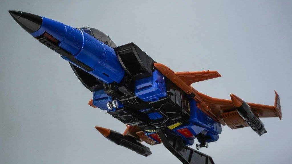 [ToyWorld] Produit Tiers - TW-M02A Combustor (Ramjet/Statoréacto), TW-M02B Assault (Thrust/Fatalo), TW-M02C Requiem (Dirge/Funébro) - Page 2 Gw1Do0fi