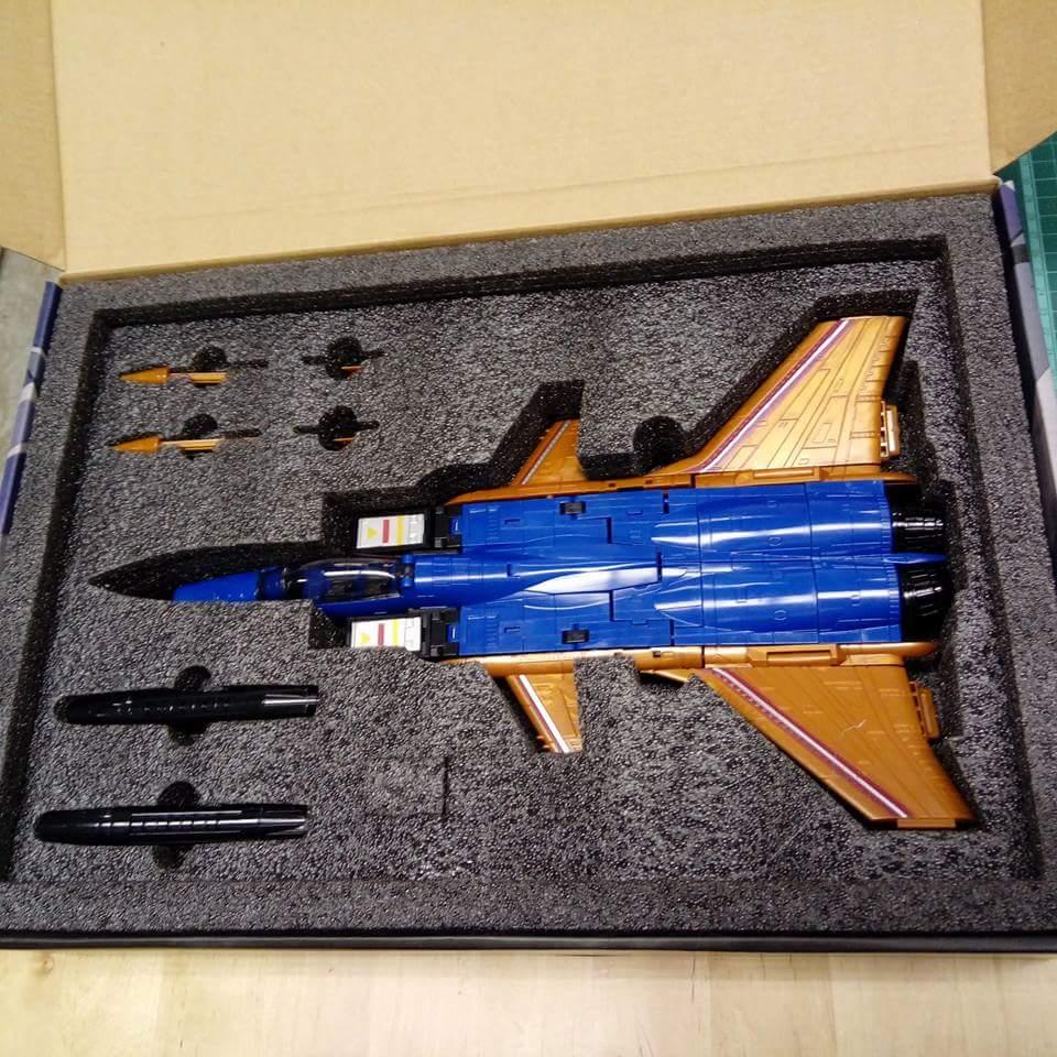 [ToyWorld] Produit Tiers - TW-M02A Combustor (Ramjet/Statoréacto), TW-M02B Assault (Thrust/Fatalo), TW-M02C Requiem (Dirge/Funébro) - Page 2 UmiPncL5