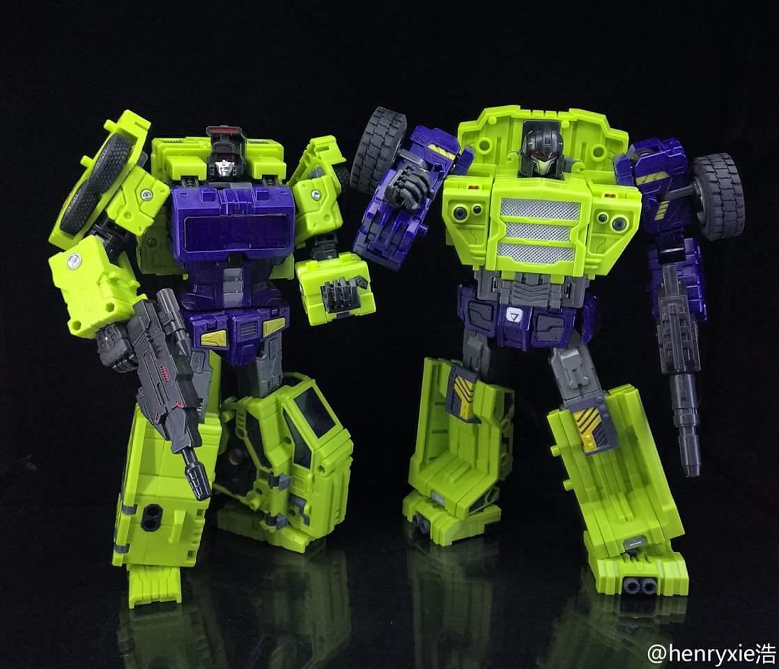 [Toyworld] Produit Tiers - Jouet TW-C Constructor aka Devastator/Dévastateur (Version vert G1 et jaune G2) - Page 7 Dp1ioHK1