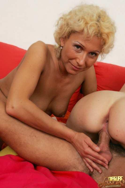 madre e hija follando ancianas tetonas