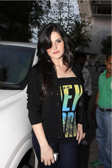 Zarine Khan at Wold No Tobacco Day Concert Pics Adz0vsaG