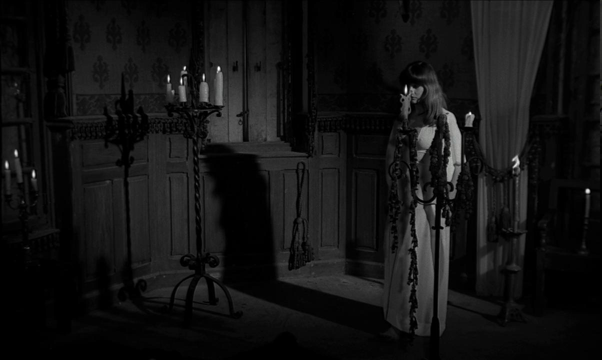 The Rape of the Vampire (1968) - The Constant Bleeder