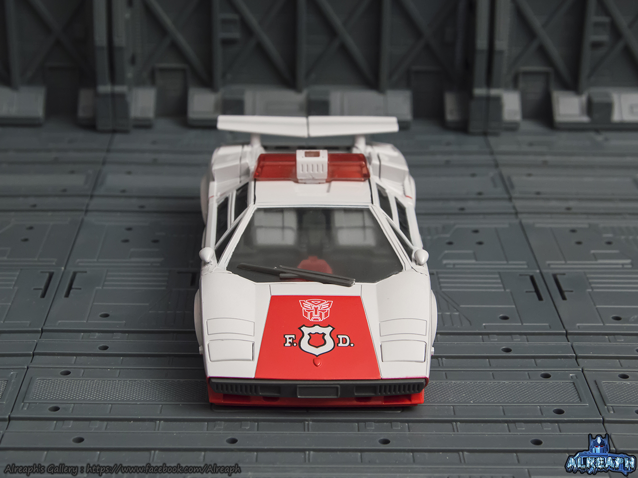 [Masterpiece] MP-14 Red Alert/Feu d'Alerte - Page 2 KNX0Ztu5