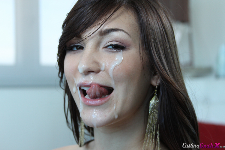 Holly Michaels - una verga para su boca y conchita