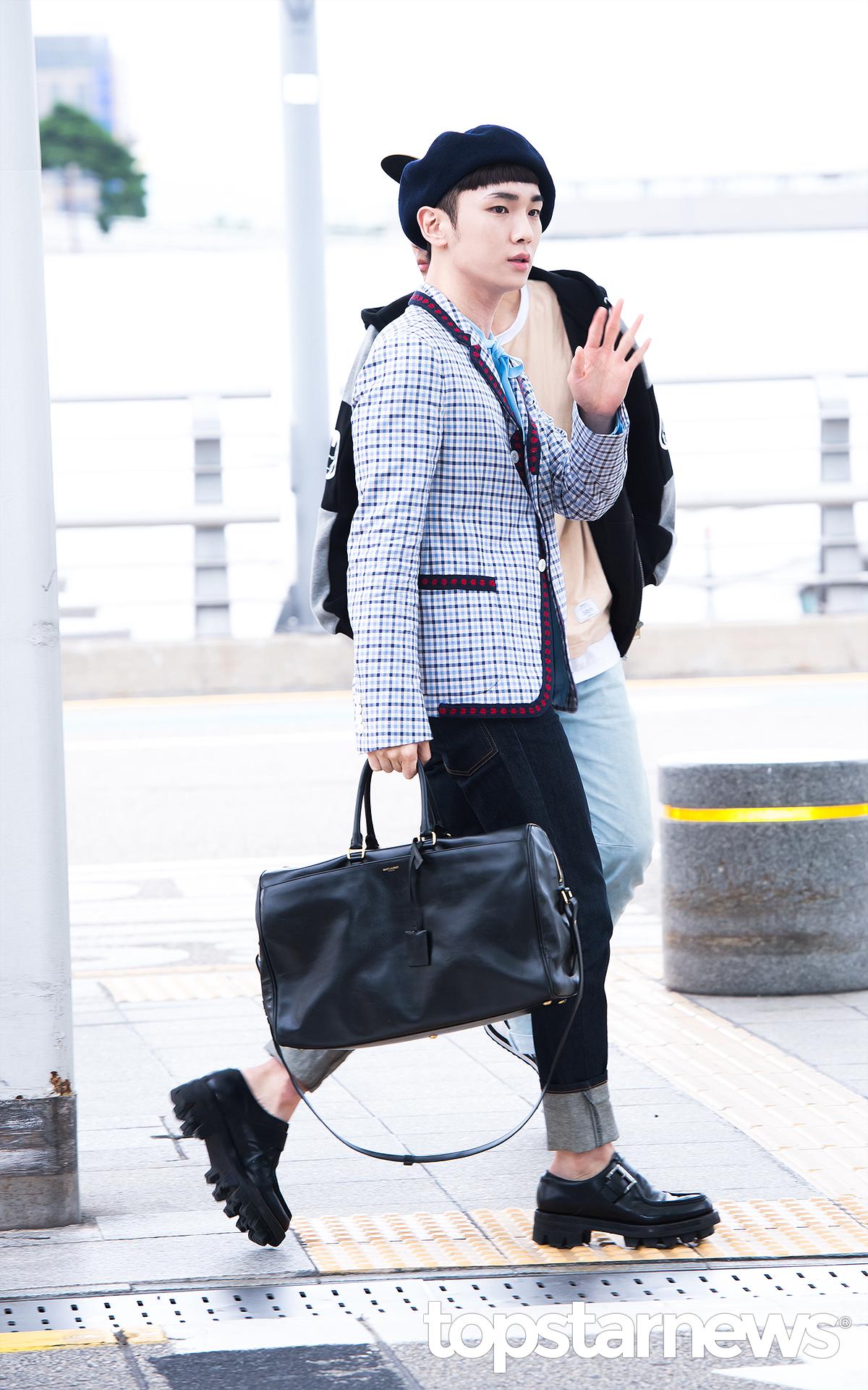 [IMG/160715] Jonghyun, Key @ Aeropuerto Incheon hacia Japón. Pf5Javot