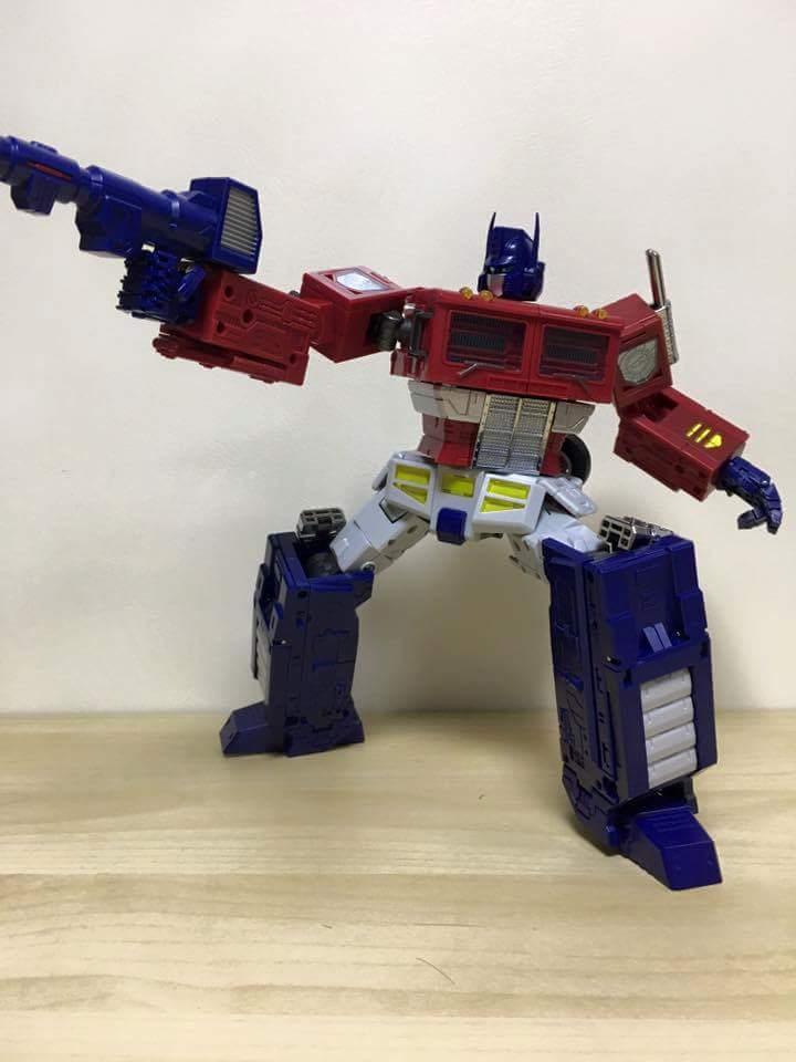 [ToyWorld][Zeta Toys] Produit Tiers - TW-M01 Primorion/Zeta-EX6O OriPrime et Zeta -EX6E EvaPrime - aka Optimus (G1 et Evangelion) 2paOjUCG