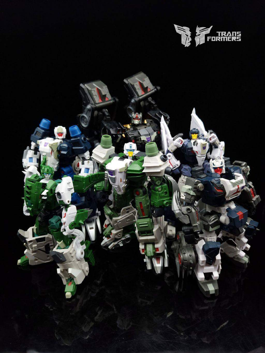 [FansProject] Produit Tiers - Jouet Saurus Ryu-oh aka Dinoking (Victory) | Monstructor (USA) - Page 2 FytyG7IM