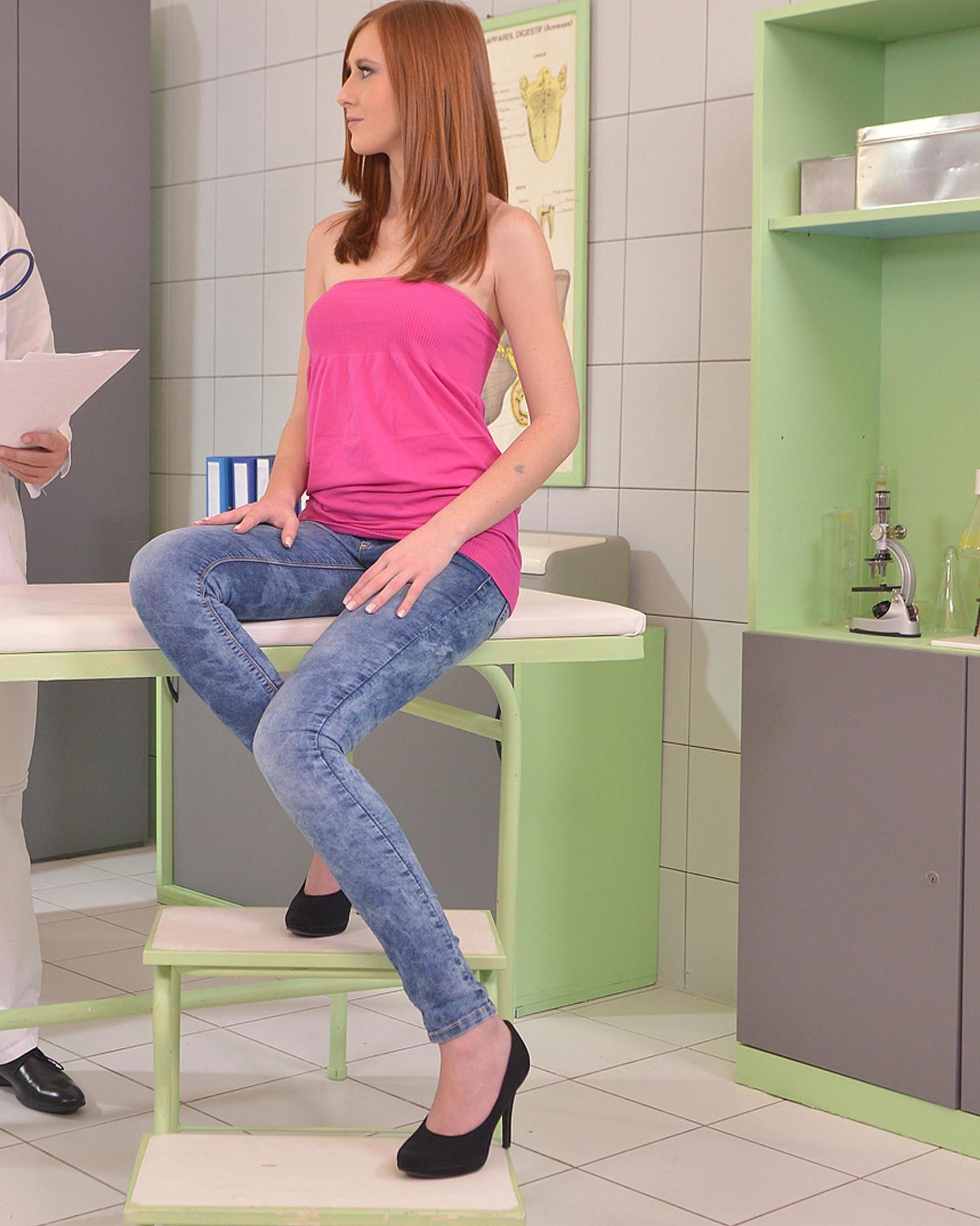 Linda Sweet - coger por el culo en la clinica