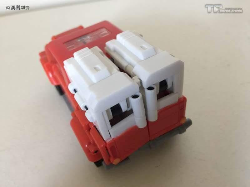 [BadCube] Produit Tiers - Minibots MP - Gamme OTS - Page 5 WlR8P8qS