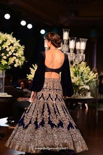 Deepika Padukone at PCJ Delhi Couture Week 2013 AdetvFvK