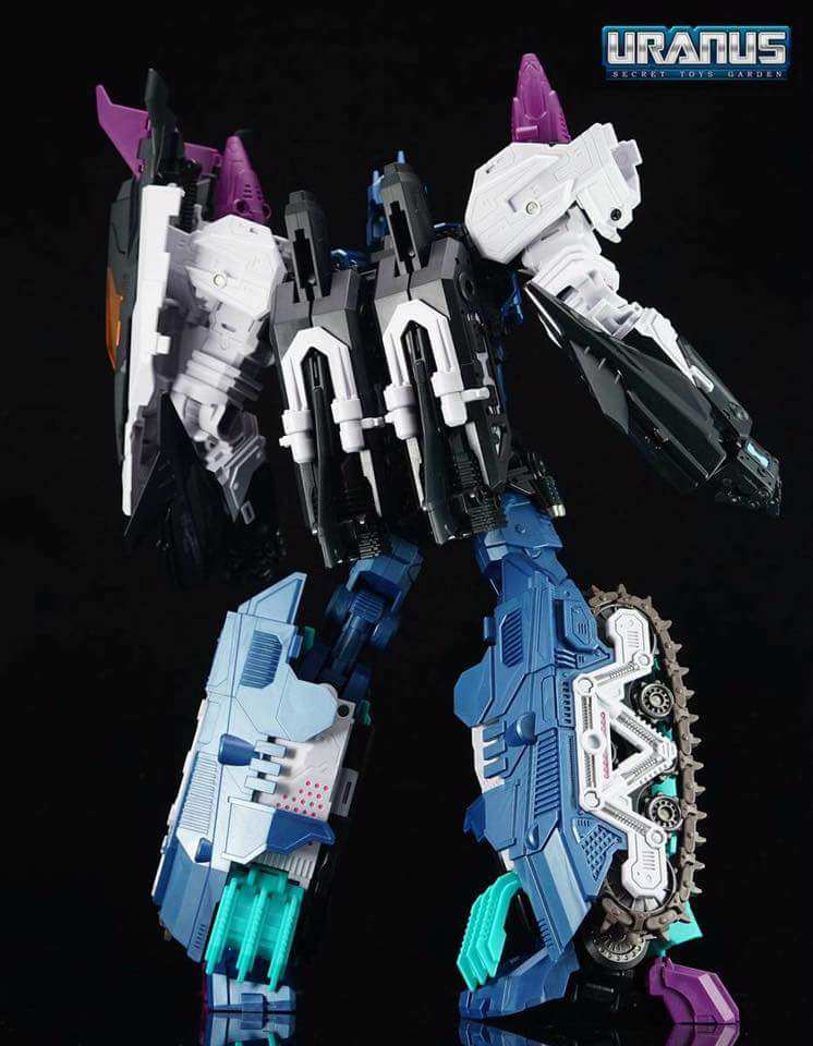 [Mastermind Creations] Produit Tiers - R-17 Carnifex - aka Overlord (TF Masterforce) - Page 3 Dip5AivB