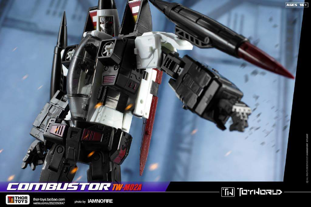 [ToyWorld] Produit Tiers - TW-M02A Combustor (Ramjet/Statoréacto), TW-M02B Assault (Thrust/Fatalo), TW-M02C Requiem (Dirge/Funébro) - Page 3 CiLf3gzv
