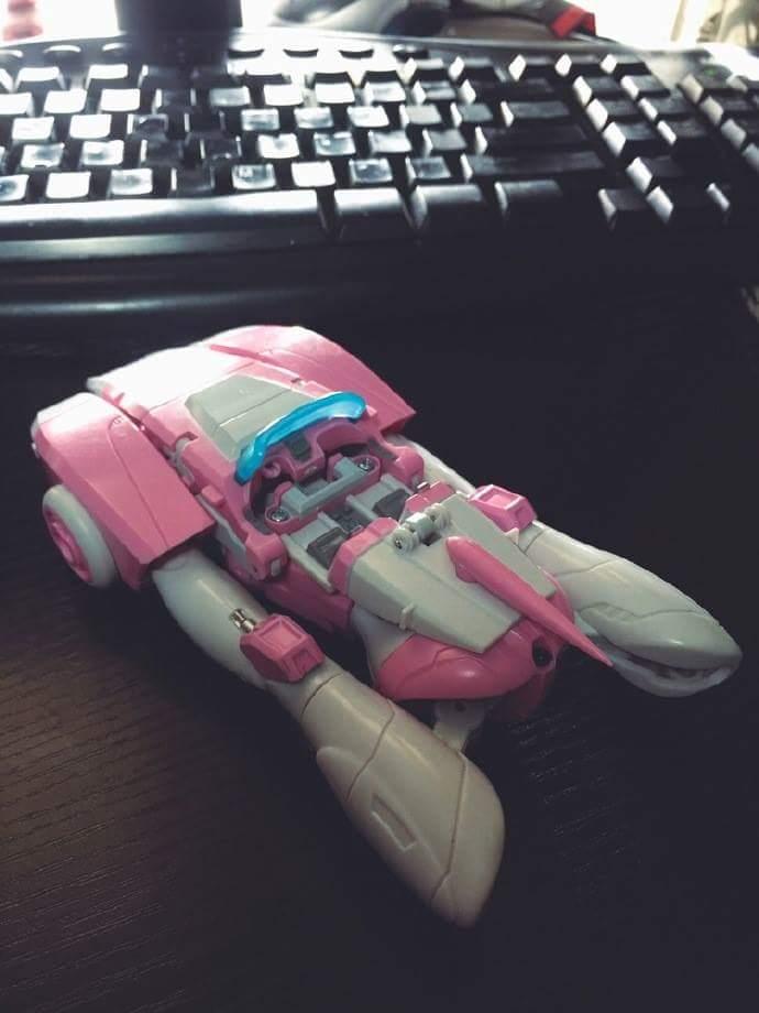 [Toyworld][Zeta Toys] Produit Tiers - Jouet TW-M06 Leia / Zeta-EX05 ArC aka Arcee/Arcie I6ELGVYM