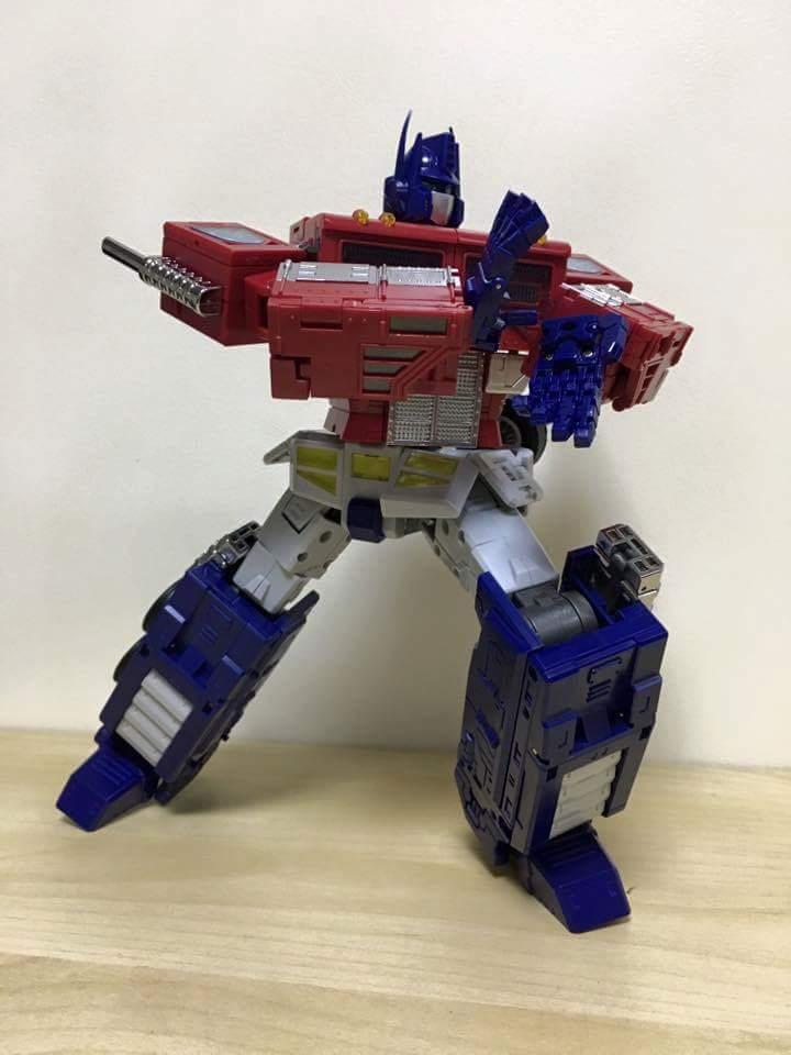 [ToyWorld][Zeta Toys] Produit Tiers - TW-M01 Primorion/Zeta-EX6O OriPrime et Zeta -EX6E EvaPrime - aka Optimus (G1 et Evangelion) AQeLVFUC