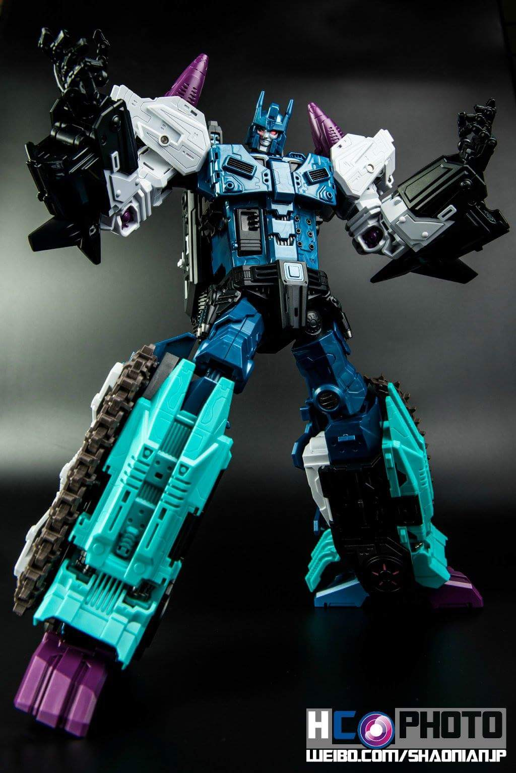 [Mastermind Creations] Produit Tiers - R-17 Carnifex - aka Overlord (TF Masterforce) - Page 3 8nK15ml4