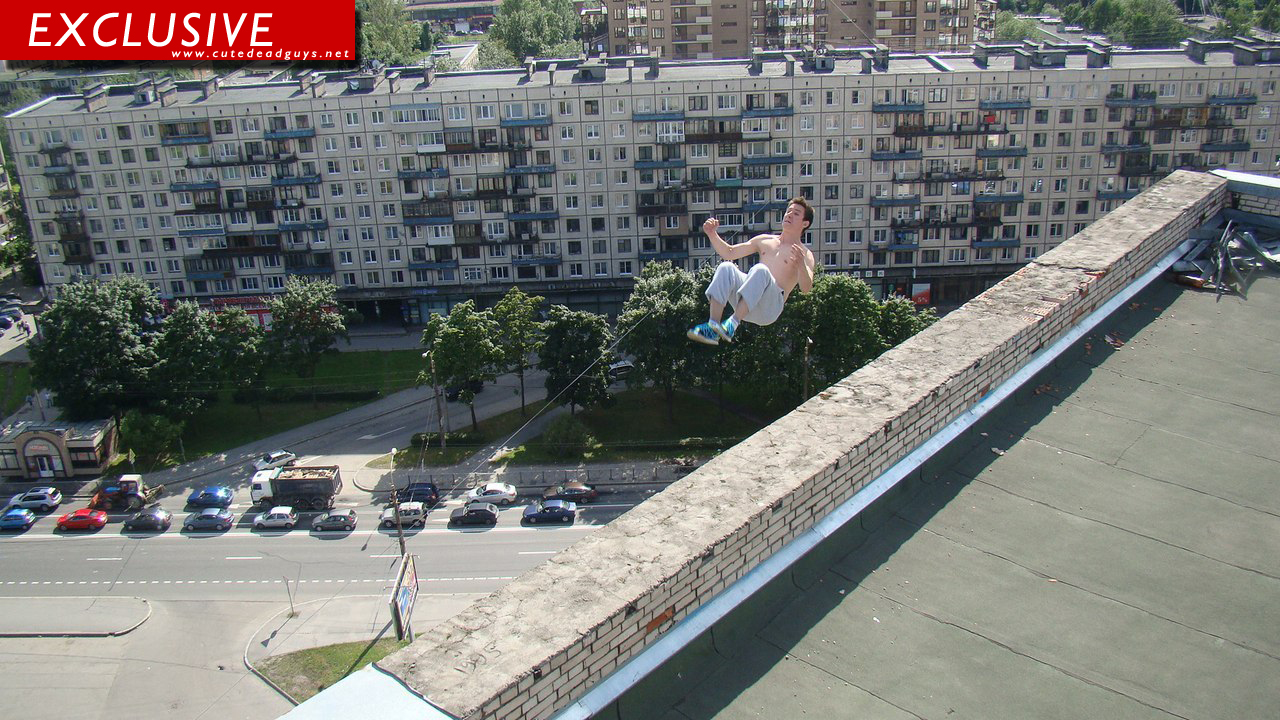 Mega Fit Russian Daredevil Pavel Kashin Falls To His Death In St