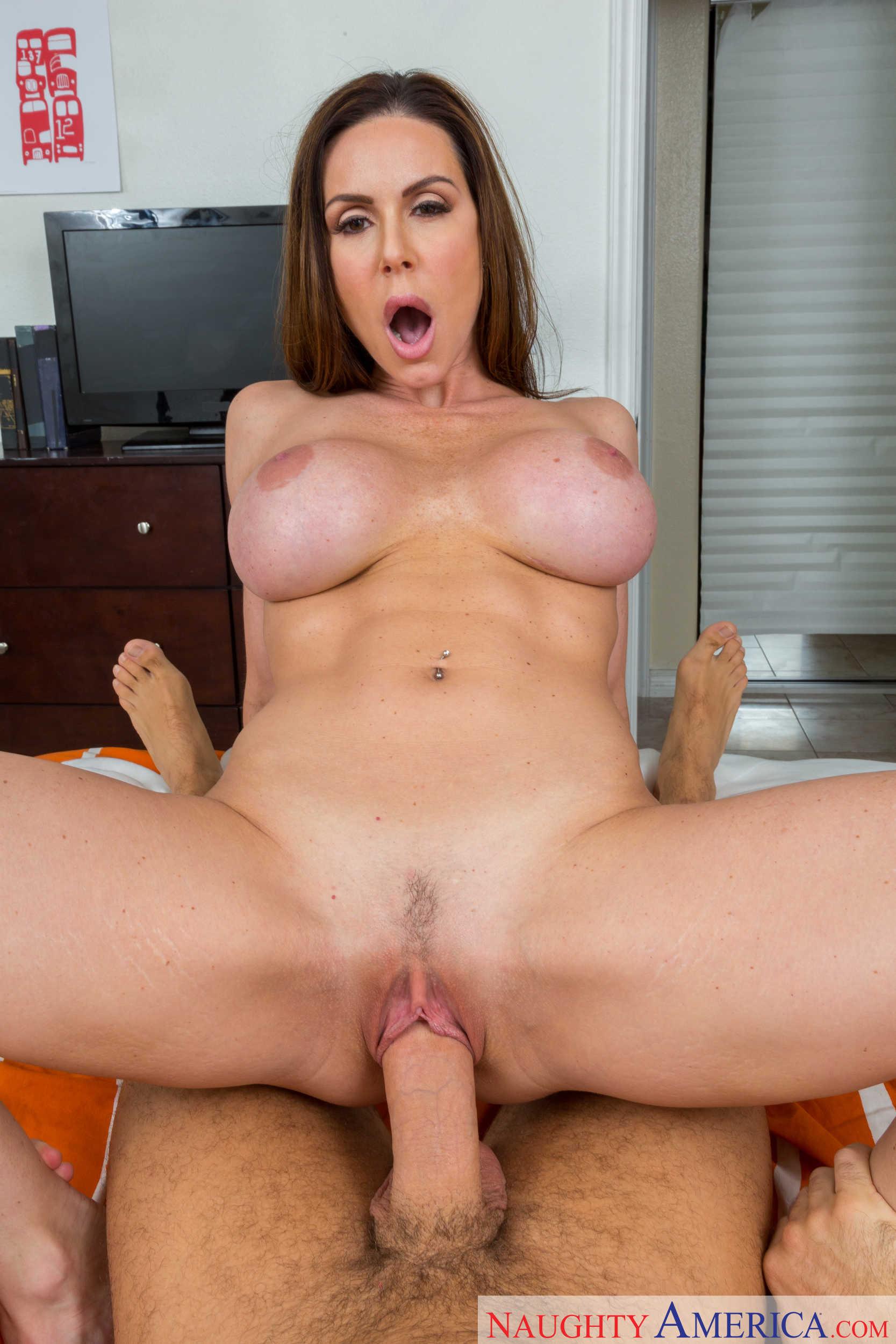 Kendra Lust - coger a la milf por su golosa conchita