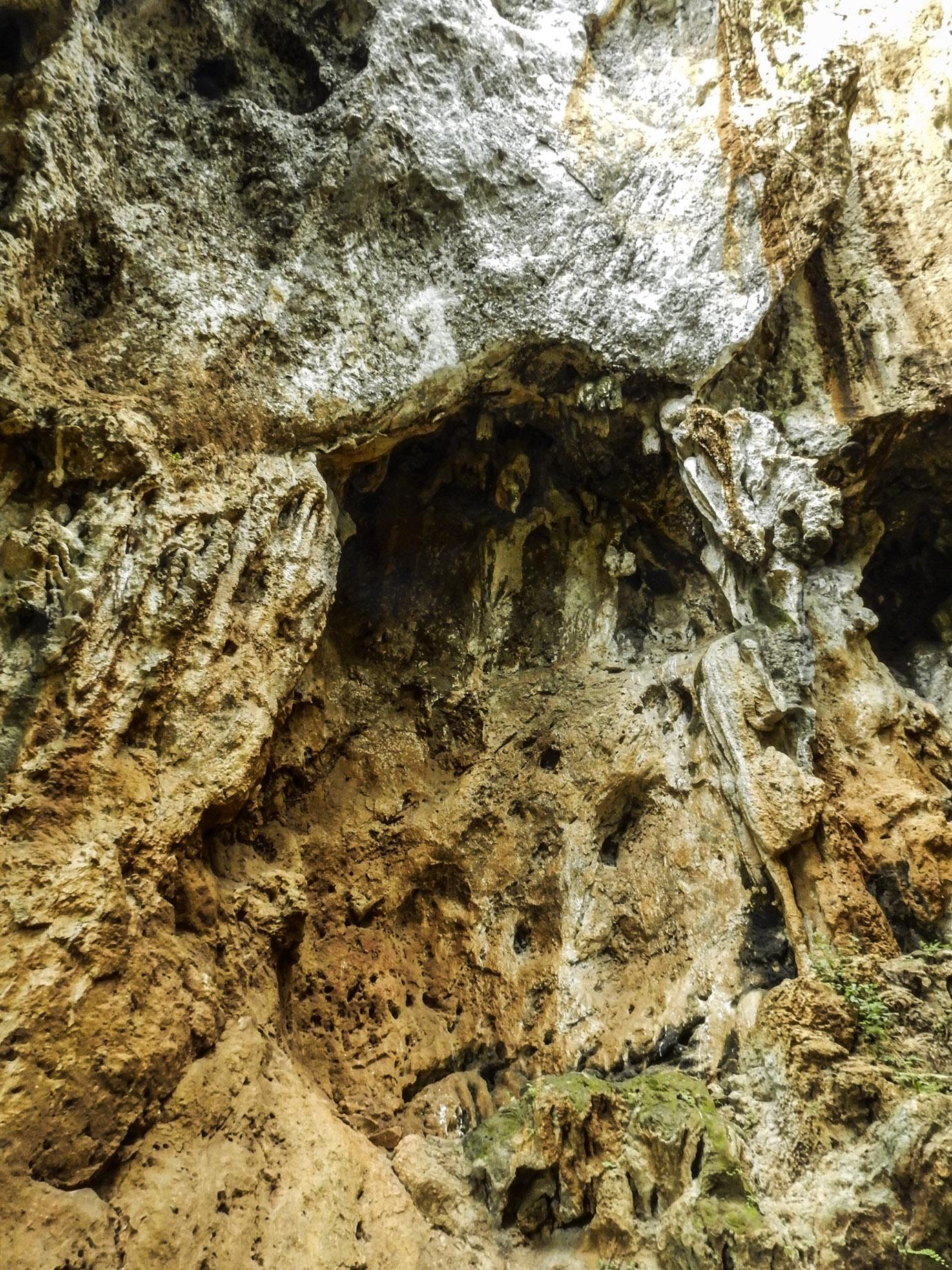 situs sejarah goa pawon di desa cipatat, padalarang