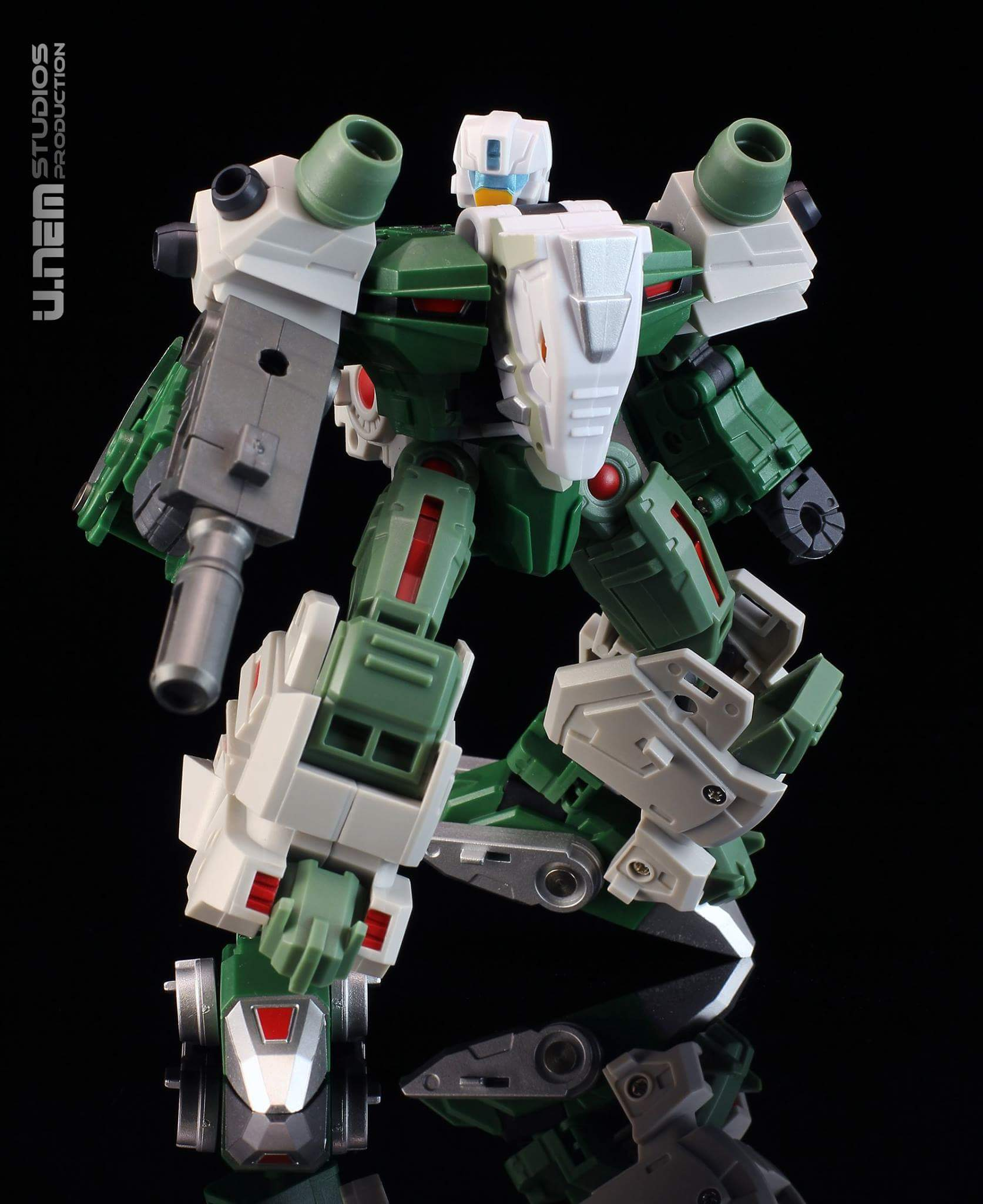 [FansProject] Produit Tiers - Jouet Saurus Ryu-oh aka Dinoking (Victory) | Monstructor (USA) - Page 3 C5D4smTo