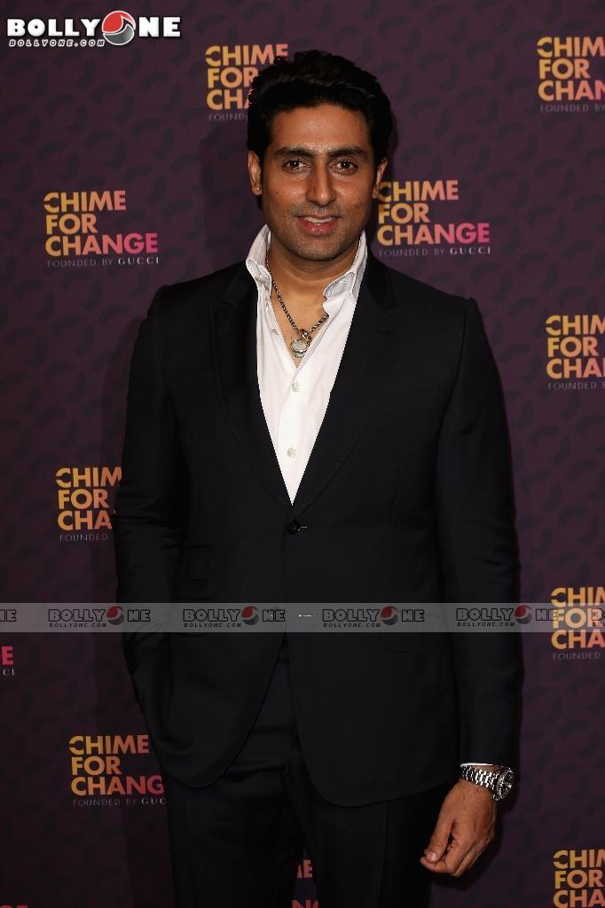 Aishwarya Rai & Abhishek Bachchan at the Chime For Change concert AbowqLdy