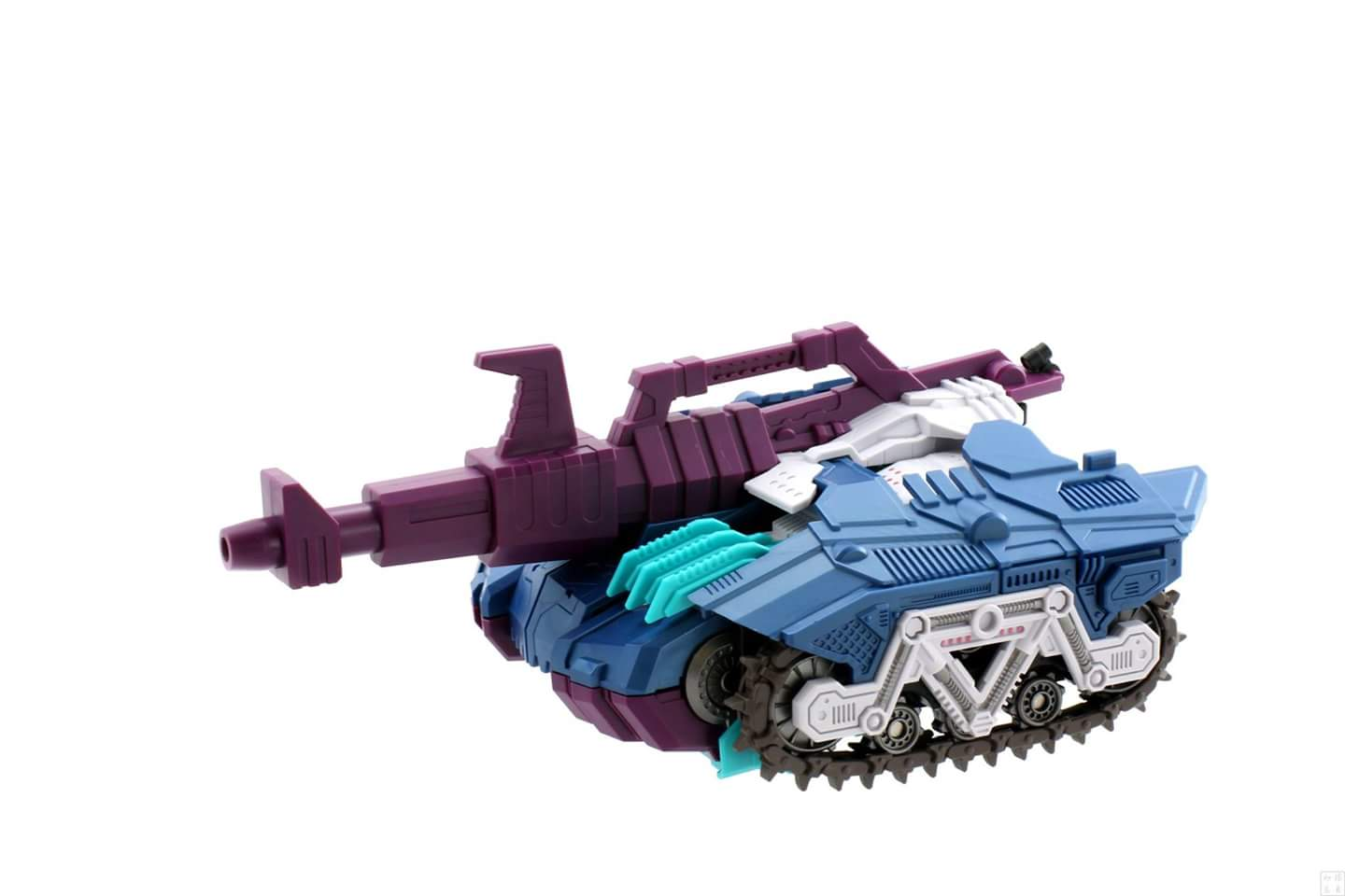 [Mastermind Creations] Produit Tiers - R-17 Carnifex - aka Overlord (TF Masterforce) - Page 3 IASBT0TH