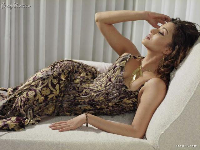Aishwarya Rai showcasing her bottom AddDLPWW